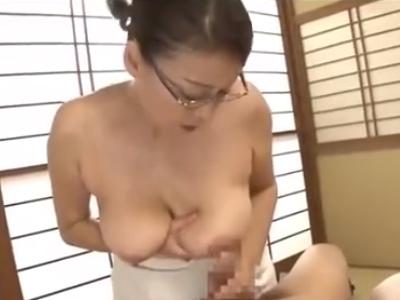 爆乳六十路熟女の激ウマエロテク動画